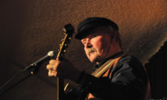 TOM PAXTON HEADLINES ROLLING HILLS RADIO FEBRUARY 26 SHOW